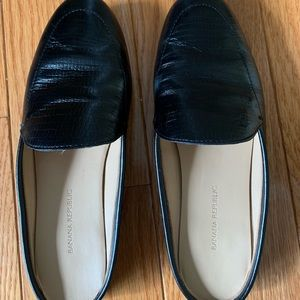 Banana Republic crocodile black leather mules